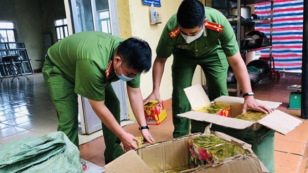Lạng Sơn: Gặp Công an, 3 đối tượng bỏ lại ô tô và 250kg ρɦáσ ηổ