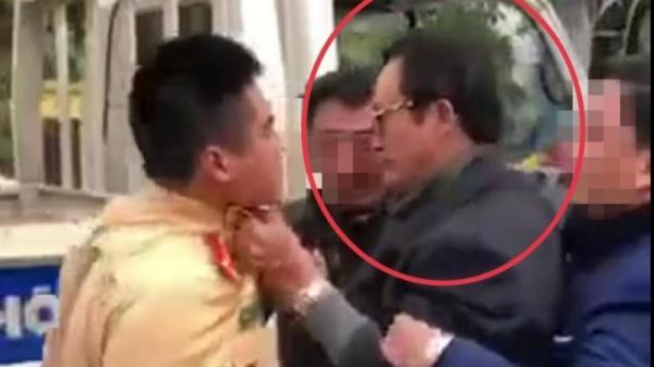 Chi cục trưởng Dân số ꜱαყ ✘ỉռ ʈáʈ CSGT Tuyên Quang bị phạt 38 triệu đồng