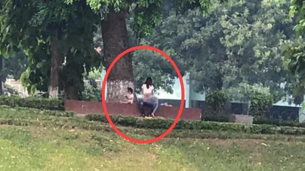 Cặp đôi thản nhiên ôm nhau 'nhú.n nh.ảy' trong công viên, đáng chú ý nhất là sự xuất hiện của nhân vật thứ 3