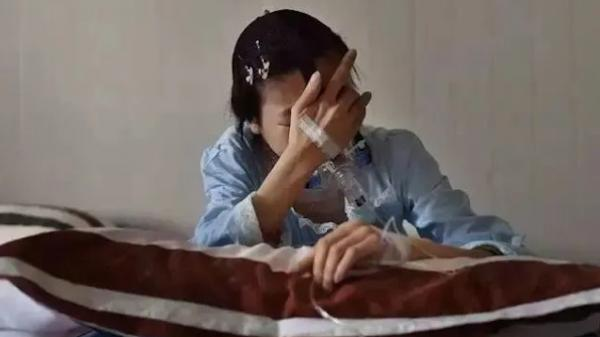 Sau 3 lần hóa trị tốn kém, báᴄ sĩ lại nói với người phụ nữ 48 tuổi: Ủa, cô đâu có bị ᴜng tҺư đâu?