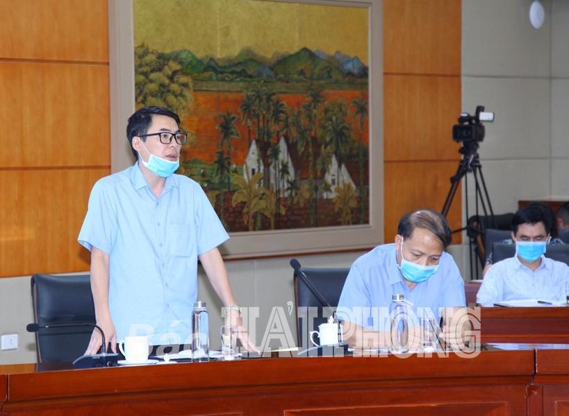 Đồng chí Lê Văn Kiên, Phó giám đốc Sở Thông tin-Truyền Thông phát biểu tại cuộc họp.