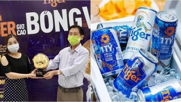 Hai vợ chồng ở Đồng Nai mở bia chưa kịp uống thì phát hiện trúng 1 tỷ đồng