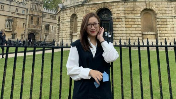 """Cô gái Hải Phòng cùng lúc giành 11 học bổng du học tại Anh, trong đó có ĐH Oxford: """"Mình trải qua 45 phút căng thẳng nhất cuộc đời nhưng cực kỳ xứng đáng"""""""