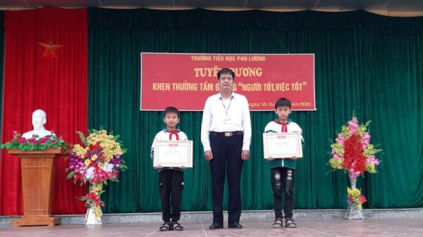 Tuyên Quang: Biểu dương học sinh lớp 4 nhặt được 32,5 triệu đồng trả lại người mất