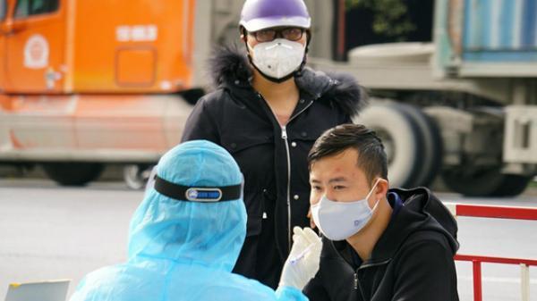 Tài xế ở Hưng Yên dương tính SARS-CoV-2, từng chở khách đến quán karaoke