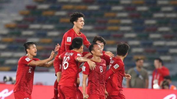 """Cửa đi World Cup của Việt Nam còn """"sáng"""" hơn cả láng giềng Trung Quốc, cứ mơ đi """"những chiến binh sao vàng""""!"""