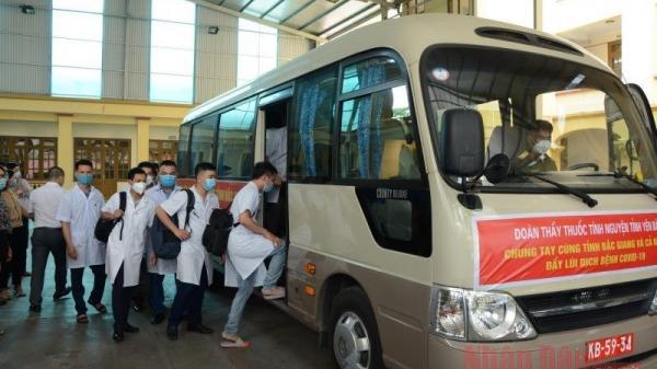 Trường Đại học Y Dược Hải Phòng cử 83 cán bộ, sinh viên hỗ trợ Bắc Giang chống dịch