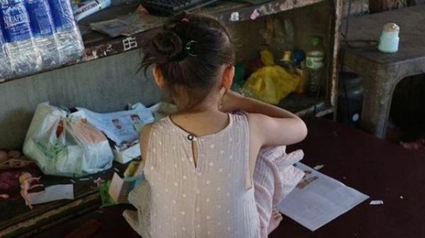 """""""Con trai riêng của anh xâm hại con gái chung của chúng tôi"""": Chia sẻ của người mẹ gây chấn động MXH Việt"""