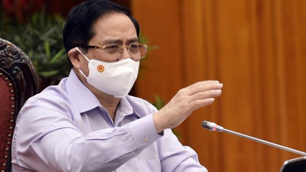 Thủ tướng yêu cầu kiểm điểm việc cho chuyên gia nhập cảnh không lấy ý kiến 5 bộ